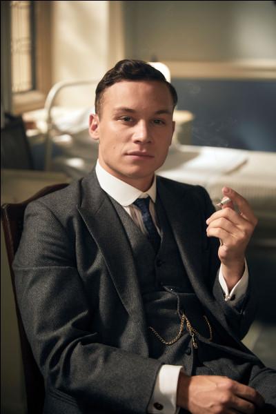 Quel est le personnage joué par Finn Cole ?