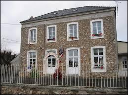 Je vous propose aujourd'hui de commencer notre périple en Île-de-France, à Armentières-en-Brie. Nous sommes dans le département ...