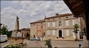Village occitan sur la rive gauche de la Garonne, dans l'arrondissement de Castelsarrasin, Caumont se situe dans le département ...