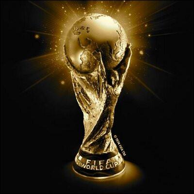 Qui a remporté la première Coupe du monde ?
