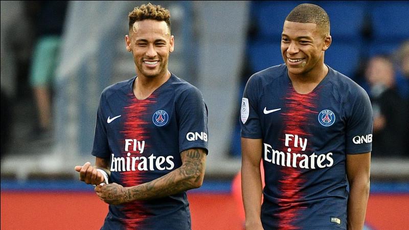 Combien d'argent le PSG a-t-il dépensé pour faire venir Neymar et Mbappé ?