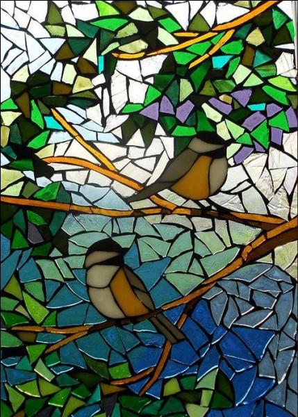 Dans le titre d'une fable de La Fontaine quel oiseau accompagne le milan ?
