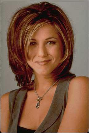 On commence doucement : Pour quelle marque Rachel travaille-t-elle en premier ?