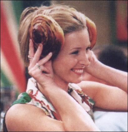 Quel est le premier livre que Phoebe doit lire pour ses cours de littérature ?