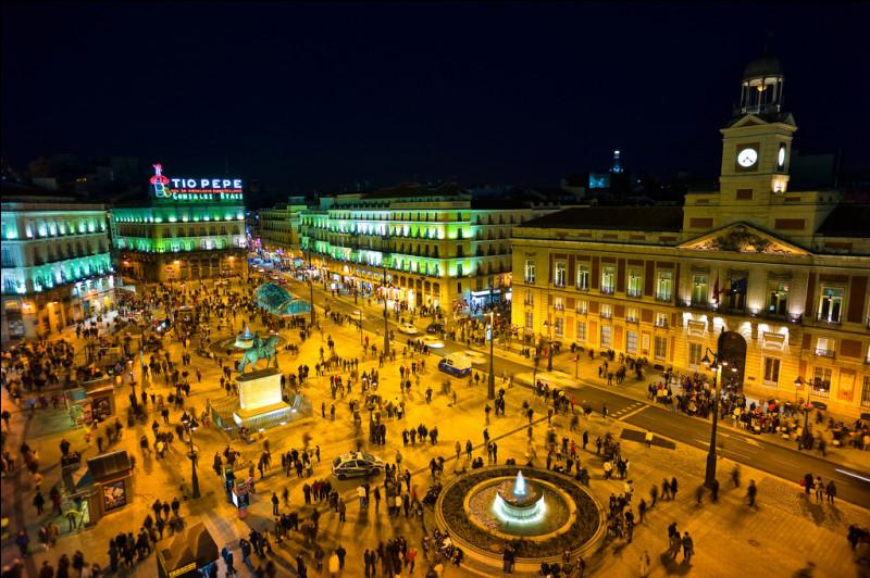 Quelle place de Madrid est considérée comme le point de départ de toutes les routes d'Espagne ?