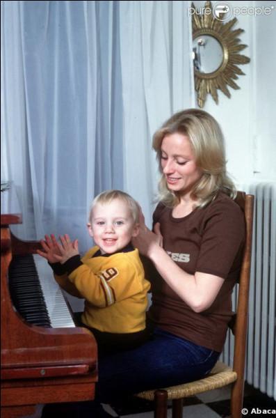Véronique Sanson chante ''Christopher''. À qui est dédiée cette chanson ?