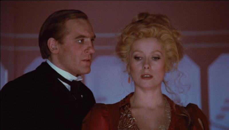 Dans quel film français réalisé par François Truffaut et sorti en 1980, Catherine Deneuve et Gérard Depardieu sont-ils Marion et Bernard ?
