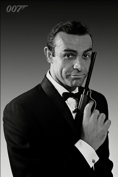 """Qui est l'auteur de """"James Bond 007"""" ?"""