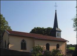 Nous terminons notre balade dans le Grand-Est devant l'église Saint-Félix, à Zincourt. Petit village de 80 habitants de l'agglomération Spinalienne, il se situe dans le département numéro ...