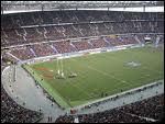 Le Stade de France à Paris, c'est 80 000 places, 500 000 tonnes pour le poids total du stade, 45 kilomètres de gradins et 6 hectares de toitures.