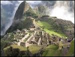 En quecha, la langue des Incas, 'Machu Picchu' signifie 'Vieille Montagne'.