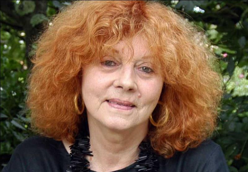 Qui est cette écrivaine, auteure du roman ''La Bicyclette bleue'' paru en 1981 ?