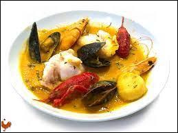 Quel poisson est l'un des poissons essentiels dans la bouillabaisse ?