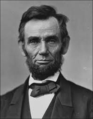 14 avril 1865 : Le président Lincoln, vainqueur de la guerre civile américaine, est assassiné par un partisan sudiste. Quel est le nom de son assassin ?