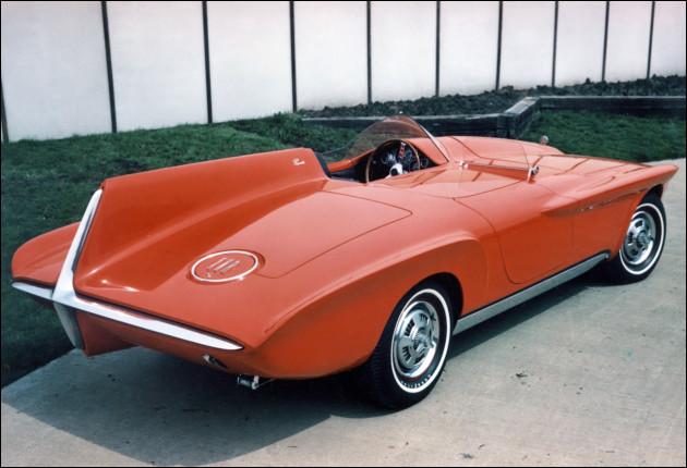En 1962, ce modèle unique fut acquit par ... de Genève, avant de parvenir jusqu'à la collection pléthorique d'une personnalité célèbre : laquelle ?