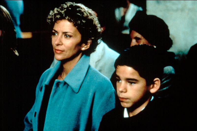 """Dans la série """"Une Femme d'honneur"""", quel est le prénom du fils d'Isabelle Florent ?"""