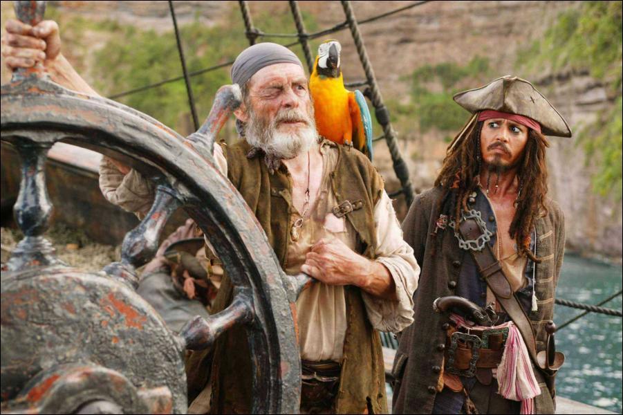 Qui est à côté de Jack Sparrow ?