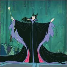 """Dans le film Disney """"La Belle au bois dormant"""", Maléfique se transforme-t-elle en dragon ?"""