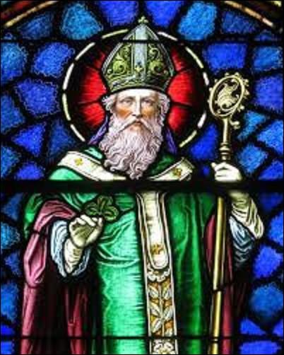 Histoire / géographie : Né vers 386 et mort à Down le 17 mars 461, saint Patrick eut pour mission d'évangéliser une nation en 432 où il est devenu le saint patron. De quel pays s'agit-il ?