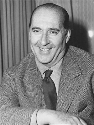 """Ce cinéaste, grande figure du néoréalisme, réalisateur de """"Rome, ville ouverte"""" en 1945, puis de """"Païsa"""" et """"Allemagne année zéro"""", c'est ... Rossellini."""