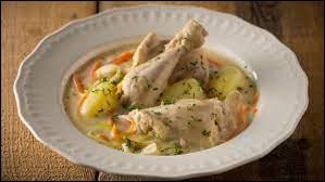 Comment s'appelle cette soupe de poulet avec des légumes, de la crème et des œufs ?