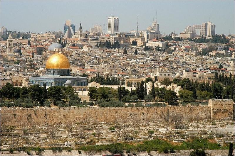 Ville convoitée depuis des millénaires par deux peuples continuellement en conflit, quelle est la capitale d'Israël ?