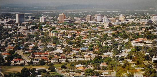 Quelle est la capitale de la Jamaïque, où Bob Marley a réussi a démocratiser le Reggae ?