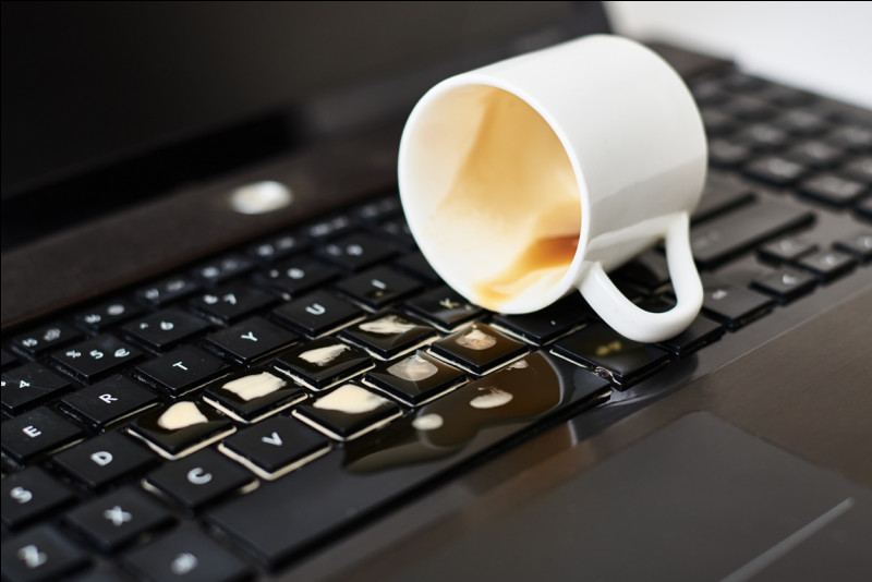 Mon 1er est la fin de quelque chose,Mon 2e désigne la possession,Mon tout est partout sur un clavier.