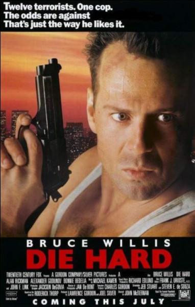 Qui a réalisé le film Piège de cristal, sorti en 1988 ?