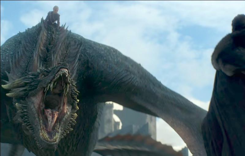 """Après avoir découvert que sa """"maman"""" était morte comment Drogon a-t-il réagi ?"""