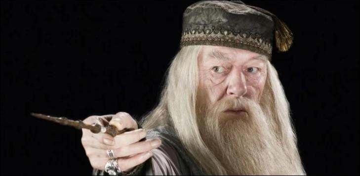 """* Combien d'acteurs ont joué le rôle d'Albus Dumbledore dans """"Harry Potter"""" ?"""