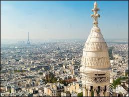 Quel cabaret se situe dans le 18e arrondissement de la ville de Paris ?