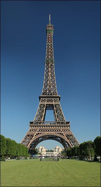 De quelle couleur est la Tour Eiffel ?