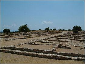 En 349 avant J-C, Olynthe, cité du nord de la Grèce, est menacée, abandonnée par son alliée Athènes, et finalement prise, rasée et abandonnée ; les habitants sont réduits en esclavage. Qui s'empare de la cité et la détruit ?