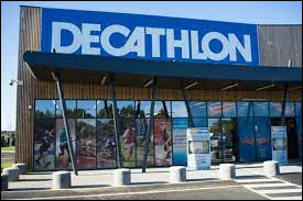 Decathlon est une entreprise française de grande distribution de sport et de loisirs. Durant quelle décennie a-t-elle vu le jour ?