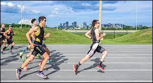 Comment appelle-t-on le dernier d'une course sportive ?