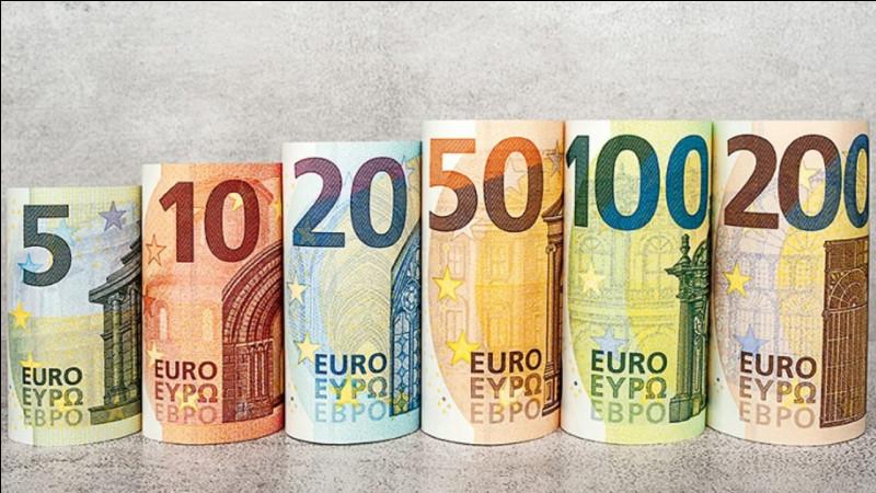 """Ce flacon, """"orangé"""", coûte 13 euros de plus que l'autre."""