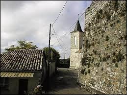 Pour finir, nous partons dans le Quercy, à Sauveterre. Commune occitane, dans l'arrondissement de Castelsarrasin, elle se situe dans le département ...