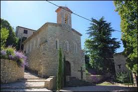 Nous commençons notre balade en Auvergne-Rhône-Alpes devant l'église de Barret-de-Lioure. Petit village de 68 habitants, dans l'arrondissement de Nyons, il se situe dans le département ...