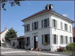 Je vous propose de partir dans le Sundgau, à Bettlach. Village du Grand-Est, il se situe dans le département ...