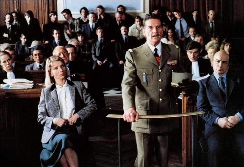 """Dans """"L'honneur d'un capitaine"""", les méthodes du capitaine Caron (Jacques Perrin), tué au combat en 1957 ont été dénoncées lors d'un débat télévisé. Sa veuve Patricia (Nicole Garcia), intente un procès en diffamation. De qui est ce film ?"""