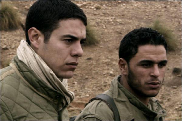 Ce film de 2005 retrace quelques jours de la vie du sous-lieutenant Roque. Il a sous ses ordres 400 soldats français, dont quatre jeunes musulmans qui se sont engagés. Peu à peu, la méfiance et la suspicion de trahison s'installent. Quel est ce film ?