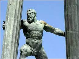 D'après certaines sources, lors de la folie d'Héraclès, qui a-t-il tué ?