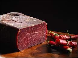 Quel est le nom de cette charcuterie qui est une salaison de viande de bœuf ?
