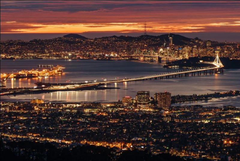Cliquez sur une ville de Californie, dans la baie de San Francisco.