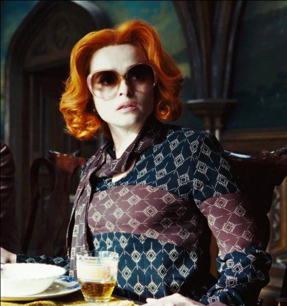 """Qui est cette actrice qui a joué dans """"Alice au pays des merveilles"""", """"Les Misérables"""" et dans des films de la saga """"Harry Potter"""" ?"""