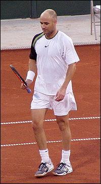 Joueur Américain. 4 Open d'Australie, 1 Roland Garros, 1 Wimbledon, 2 US Open et plusieurs titres Masters.