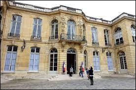 Politique - En France, qui fut le Premier ministre de 1981 à 1984 ?