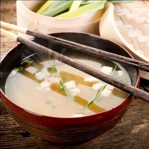 Bouillon japonais à base d'algues :
