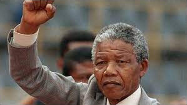 10 mai : À 76 ans, après avoir passé 27 années en prison, l'icone de la lutte contre l'apartheid devient président de la république d'Afrique du Sud. En quelle année eut lieu cet évènement ?